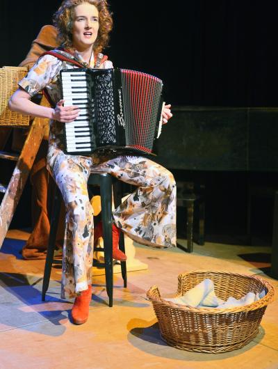 podiumfoto-1-Nathalie-Baartman-BREEK-©-Jochem-Jurgens